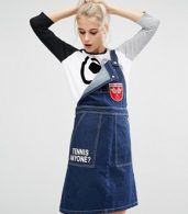 photo Dungaree Dress in Denim with Badge Details by Mini Cream, color Nyx - Image 1