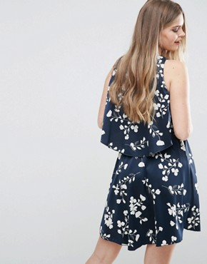 photo Floral Asymmetric Hem Dress by Vila, color Navy - Image 2