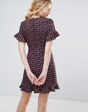 photo Printed Dress with Flute Sleeve and Frill Hem by Traffic People, color Purple - Image 2
