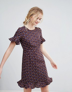 photo Printed Dress with Flute Sleeve and Frill Hem by Traffic People, color Purple - Image 1
