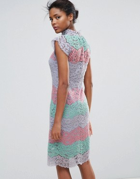 photo Multi Lace Midi Dress by Traffic People, color Pink - Image 2