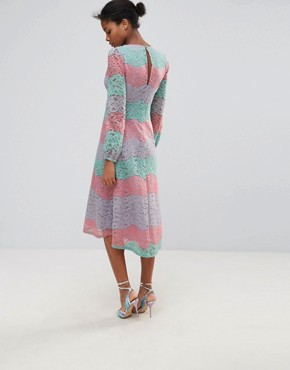 photo Long Sleeve Layered Lace Midi Dress by Traffic People, color Pink - Image 2