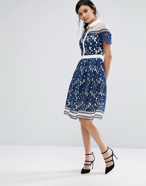 photo Lace Panelled Dress with Contrast Collar by Chi Chi London Premium, color Navy/White - Image 4