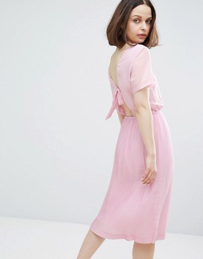 photo Bow Back Pleated Midi Dress by Monki, color Lilac - Image 1