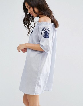 photo Embroidered Cotton Bardot Dress by Influence, color Blue - Image 2