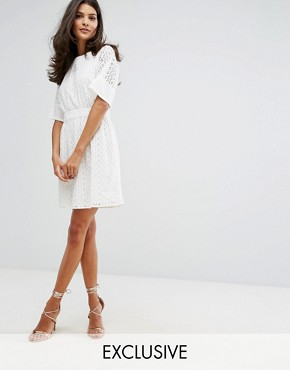 photo Broderie T-Shirt Dress by Warehouse, color Cream - Image 1