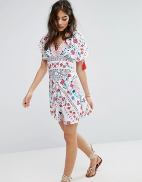 photo Plunge Front Dress with Festival Print by Kiss The Sky, color Multi - Image 1