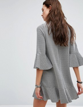 photo Gingham Frill Sleeve Dress by Pull&Bear, color Black - Image 2