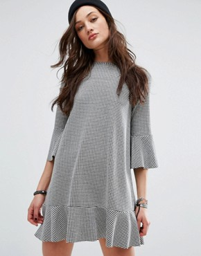 photo Gingham Frill Sleeve Dress by Pull&Bear, color Black - Image 1