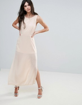 photo Amy Lynn V-Back Maxi Dress with Bow Detail by Amy Lynn Occasion, color White - Image 2