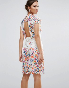 photo Amy Lynn Lace Pencil Dress with Open Back and 3D Floral Applique by Amy Lynn Occasion, color White - Image 2