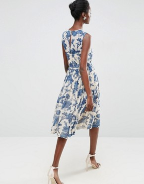 photo Midi Dress with Ruched Panel Detail in China Blue Print by ASOS, color Multi - Image 2