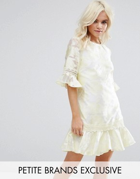 photo All Over Jacquard Shift Dress with Fluted Hem by Little Mistress Petite, color Yellow - Image 1