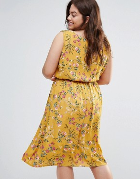 photo Dress with Dip Hem in Floral Print by Yumi Plus, color Yellow - Image 2