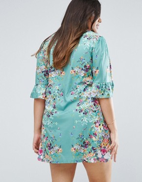 photo Swing Dress in Border Print with Frill Sleeves by Yumi Plus, color Green - Image 2