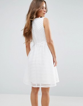 photo Textured Scuba Dress by Yumi Petite, color Cream - Image 2