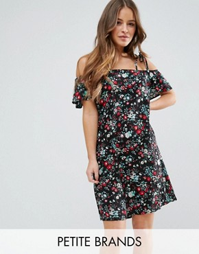 photo Dress with Cold Shoulder in Floral Print by Yumi Petite, color Black - Image 1