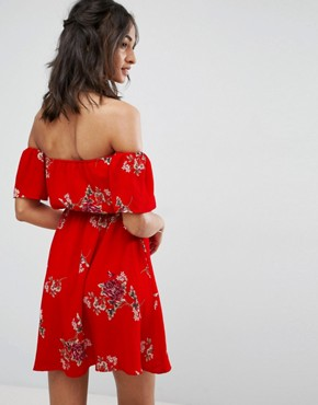 photo Off Shoulder Dress in Floral Print by Parisian Tall, color Red - Image 2