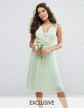 photo Pleated Midi Dress with Embellished Shoulder by TFNC WEDDING, color Green - Image 1