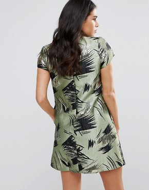 photo Short Sleeve Shift Dress in Swirl Print by Traffic People, color Green - Image 2