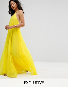 photo Pleated Maxi Dress by Missguided, color Yellow - Image 1