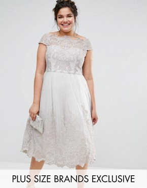 photo Lace Cap Sleeve Dress with Tulle Skirt by Chi Chi London Plus Premium, color Grey - Image 1