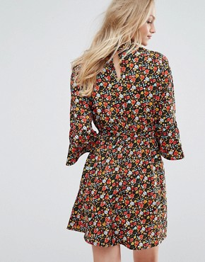 photo Collared Flared Sleeve Dress in Floral Print by Influence, color Multi - Image 2