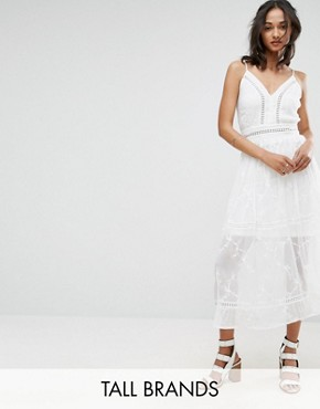 photo Embroidered Maxi Dress by Parisian Tall, color White - Image 1