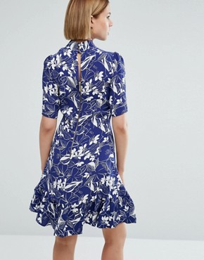 photo 3/4 Sleeve Leaf Print High Neck Skater Dress by Closet London, color Multi - Image 2
