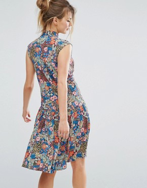 photo Ditsy Floral Skater Dress by Closet London, color Multi - Image 2