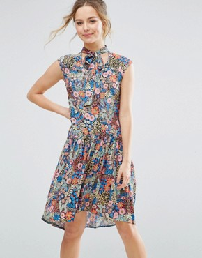photo Ditsy Floral Skater Dress by Closet London, color Multi - Image 1