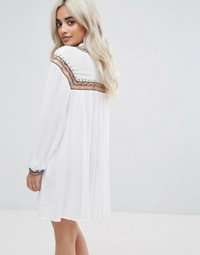 photo Embroidered Cheesecloth Smock Dress by Missguided Petite, color White - Image 2