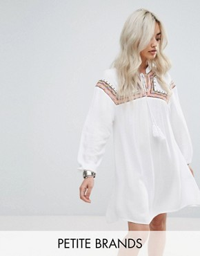 photo Embroidered Cheesecloth Smock Dress by Missguided Petite, color White - Image 1