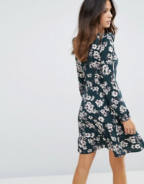 photo Floral Frill Dress by Brave Soul, color Forest Green - Image 2