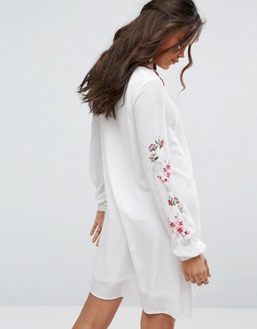 photo Swing Dress with Embroidered Sleeve Detail by Glamorous Tall, color Cream - Image 2
