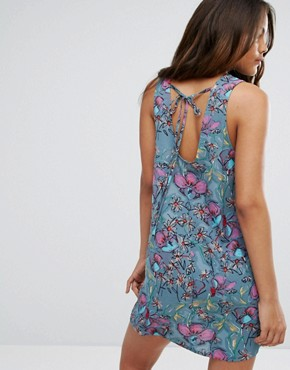 photo Sleeveless Blue Floral Printed Shift Dress by Glamorous Tall, color Multi - Image 2
