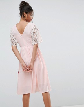 photo Embroidered Dress with Open Back by ASOS PREMIUM, color Pink - Image 2