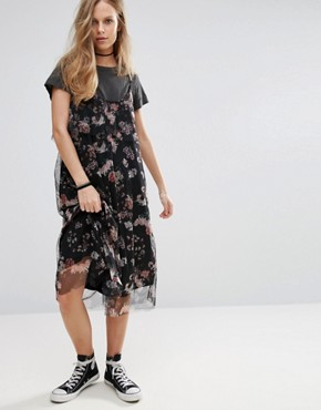 photo Floral Print Mesh Midi Dress by Pull&Bear, color Black - Image 1