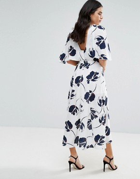 photo Midi Dress with Large Floral Print by Liquorish, color White - Image 2