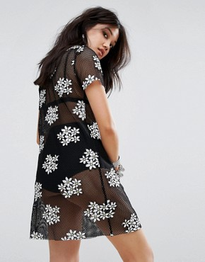 photo T-Shirt Dress in Embroidered Daisy Mesh by Glamorous, color Black - Image 2
