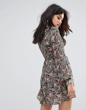 photo V-Neck Tea Dress in Floral Print by Glamorous, color Multi - Image 2