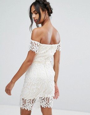 photo Lace Bandeau Midi Dress with Sweetheart Neck by Chi Chi London, color White - Image 2