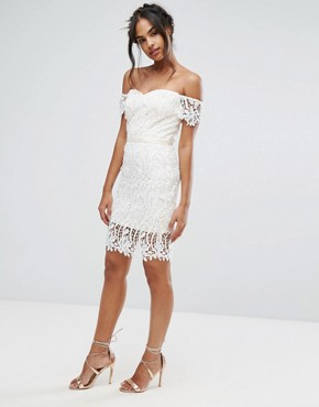 photo Lace Bandeau Midi Dress with Sweetheart Neck by Chi Chi London, color White - Image 4