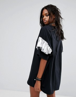 photo Vintage Oversize T-Shirt Dress with Frill Sleeves by Milk It, color Black - Image 2