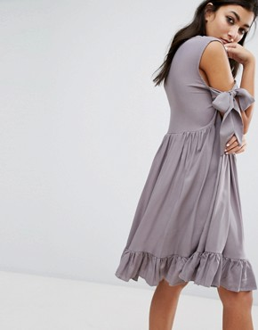 photo Vintage Cold Shoulder Dress with Frill Hem by Milk It, color Grey - Image 2