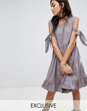 photo Vintage Cold Shoulder Dress with Frill Hem by Milk It, color Grey - Image 1