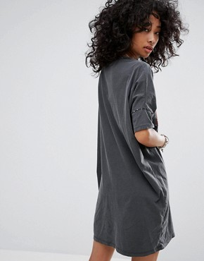 photo Embellished T-Shirt Dress with Choker Detail by Religion, color Grey - Image 2