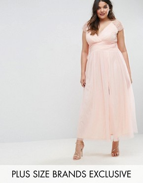 photo Maxi Dress with Lace Shoulder by Little Mistress Plus, color Pink - Image 1