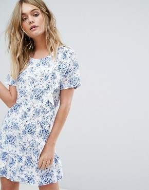 photo Frill Detail Floral Dress by Missguided, color White - Image 1