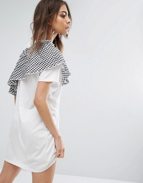 photo T-Shirt Dress with Gingham Ruffle by Daisy Street, color White - Image 2